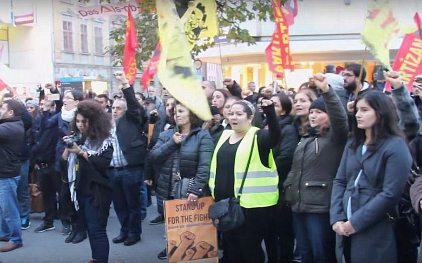 V Německu hrozí další střety mezi Turky a Kurdy. Příčinou jsou nepokoje v Turecku