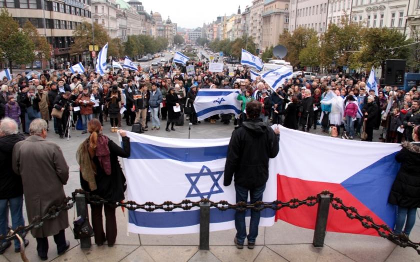 Demonstrace v Praze proti rozhodnutí českých úřadů: &quote;Hlavní město Izraele je Jeruzalém!&quote;