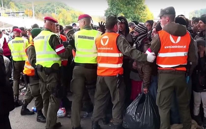 Uprchlická krize nepolevuje. Rekordy hlásí Balkán i řecké ostrovy