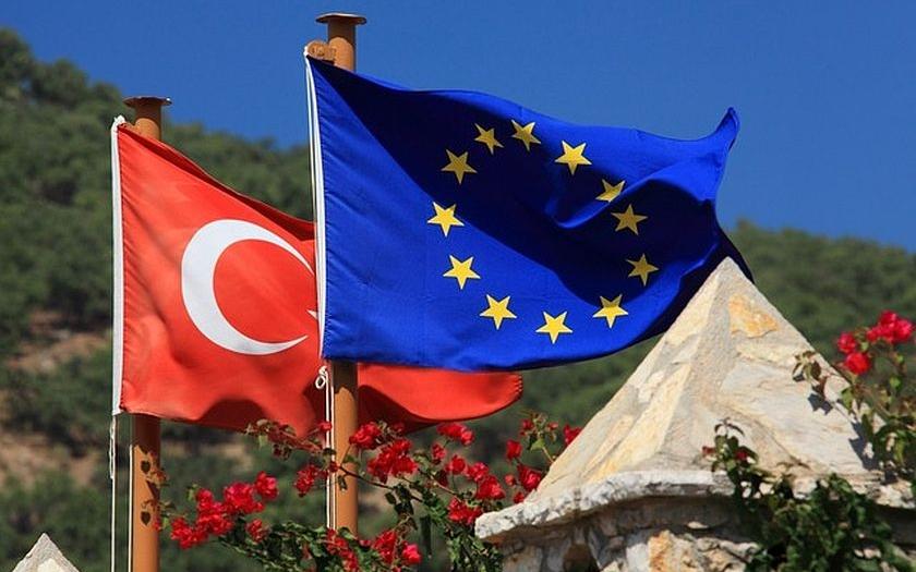 ODS: Milióny migrantů z Turecka se nesmí vydat do Evropy