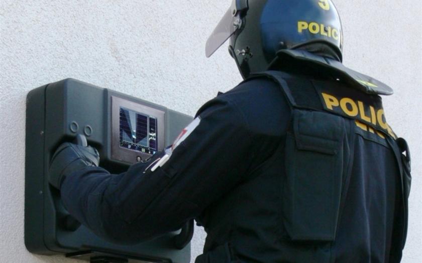 Radary pro odhalení přítomnosti lidí od české firmy Retia &quote;vidí&quote; i za zeď