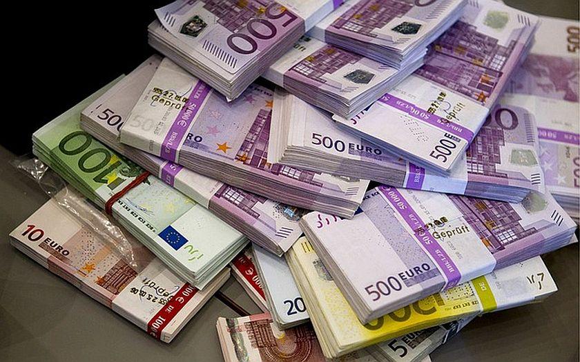 Německý účet za uprchlíky? Nejméně 800 miliard korun ročně. Všechno zaplatí daňoví poplatníci