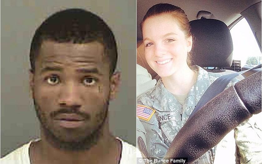 Američanka s dítětem se ubránila ozbrojeným zlodějům. Uložila dítě a začala střílet.
