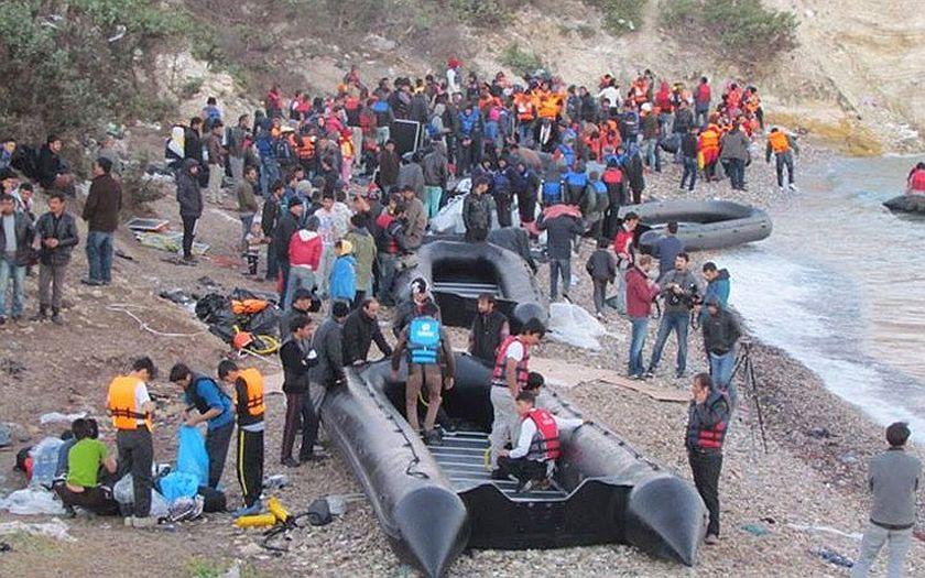 Pracovníci humanitárních organizací byli obviněni z pašování migrantů na Lesbosu