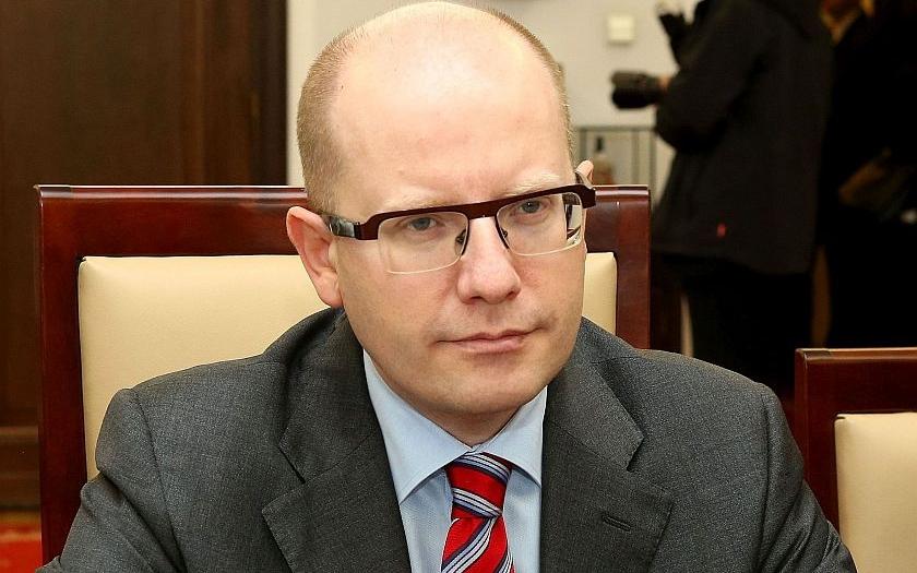 Kam zmizel Sobotka?  ,,Neviditelného&quote; premiéra ČSSD raději uklidila