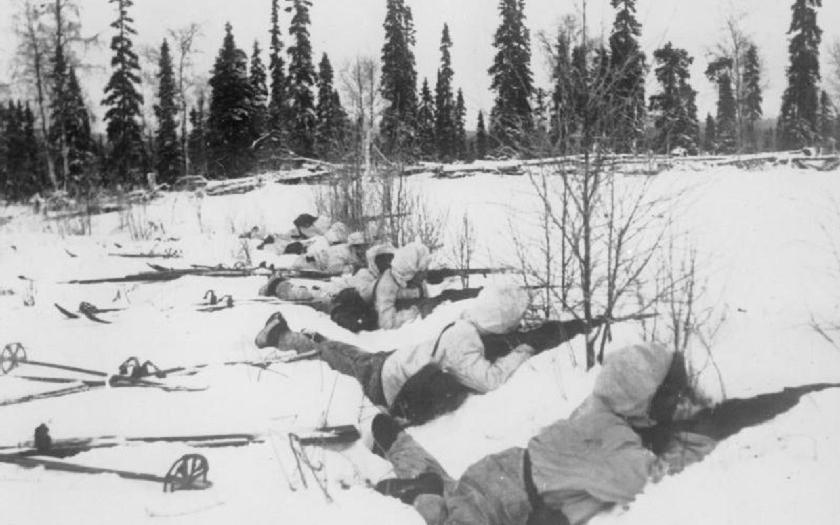 30. listopadu 1939 napadl Sovětský svaz Finsko. Stalinova vojska spadla do mlýnku na maso