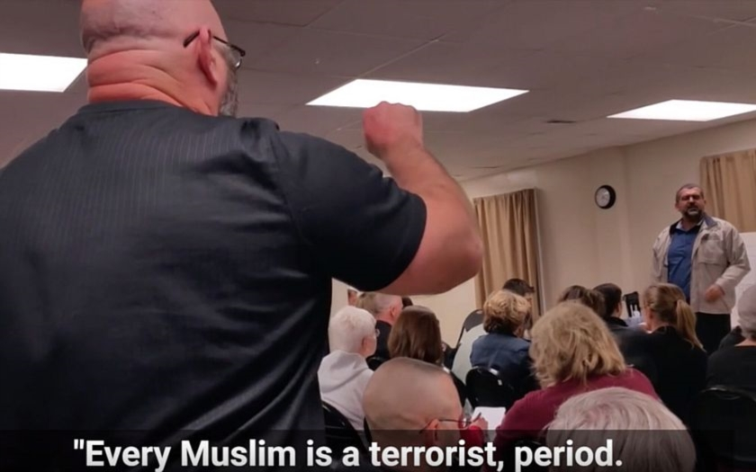 &quote;Každý muslim je terorista, tečka. A drž hubu.&quote; Ameriku zachvátila islamofobie.