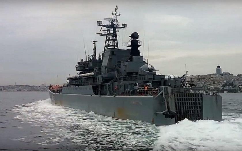 Turecko drží Rusko pod krkem. Ve hře jsou úžiny Bospor a Dardanely