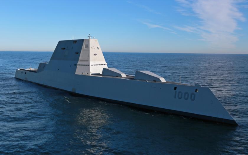 VIDEO: Na vodu byl spuštěn další raketový stealth torpédoborec z třídy Zumwalt USS Michael Monsoor