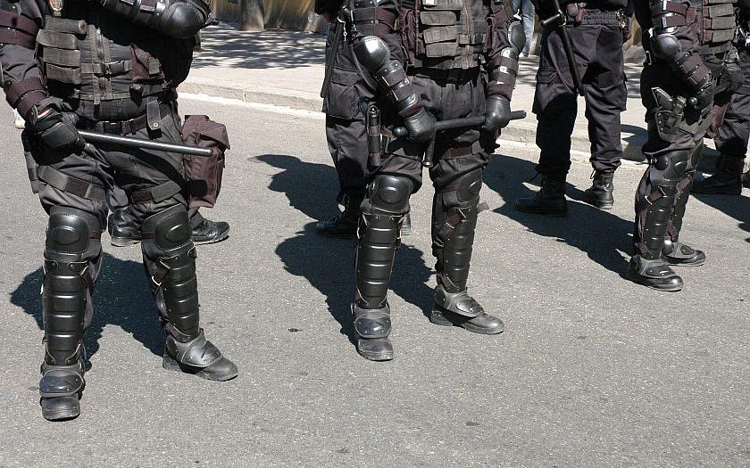 Česká policie nasadí proti nelegálním migrantům speciální komando