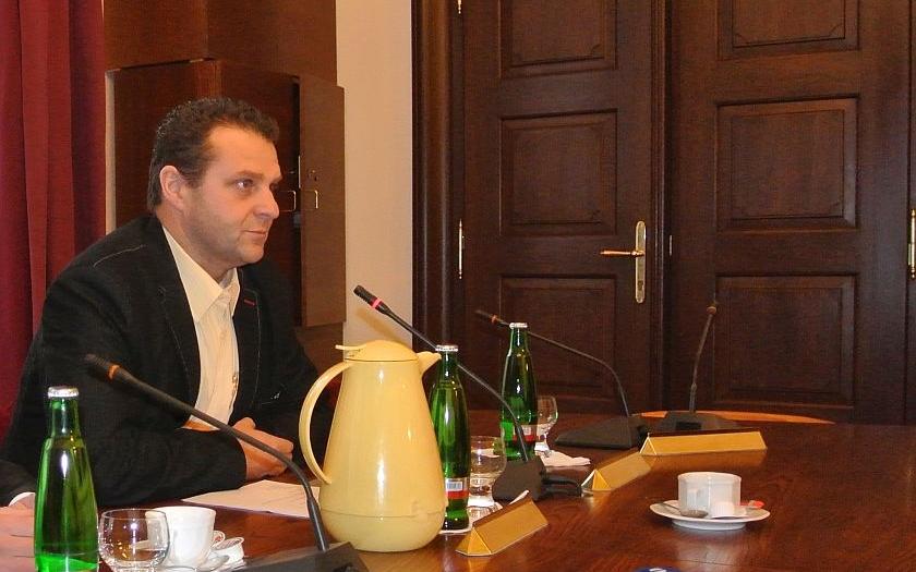 Poslanec Ondráček: Ministerstvo kultury by mělo zrušit špatně vypsanou zakázku na ostrahu