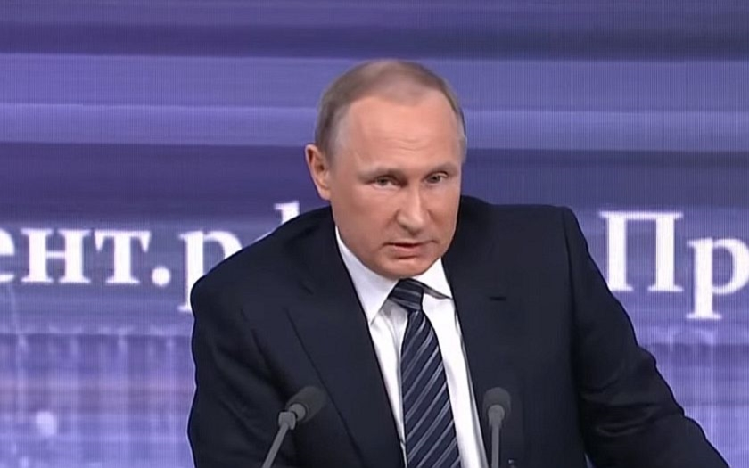 Putin: &quote;Ankara nám sestřelí bombardér a ještě běží žalovat do Bruselu&quote;
