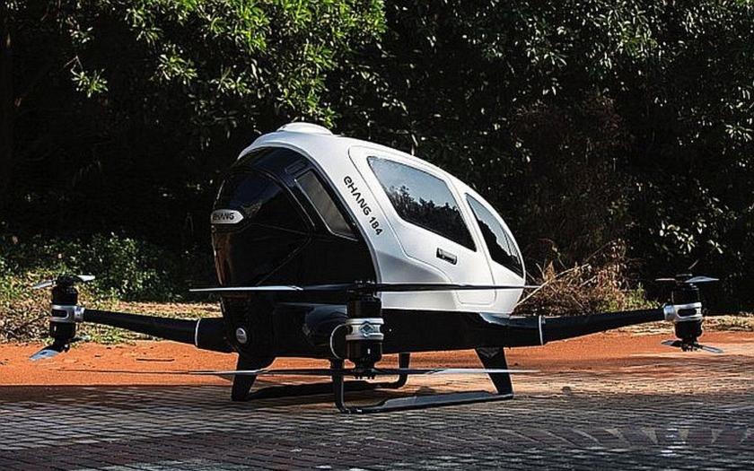 Přeprava lidí pomocí dronů je realita. Připravte si ale pět milionů korun.