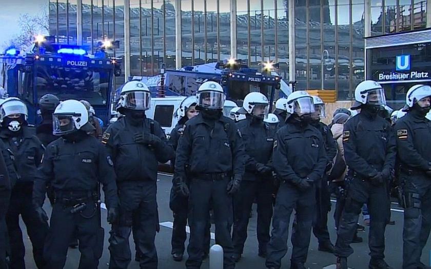 Německé policejní odbory varují: Na hranicích můžeme být už jenom tři týdny.