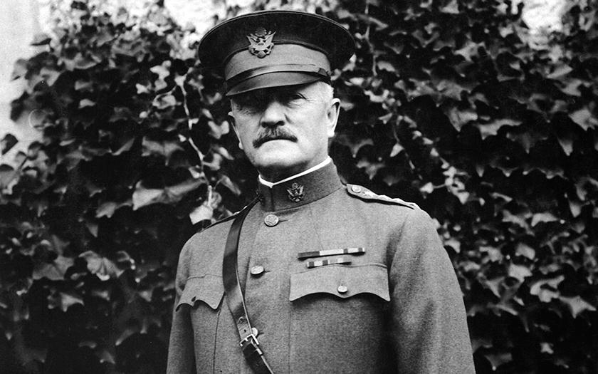 Internetové legendy: Americký generál vyzrál na teroristy, namočil kulky do…
