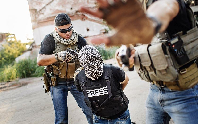 Kolumbijští povstalci propustili španělskou novinářku