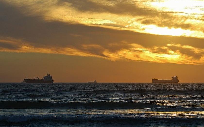 Obrovské bezpečnostní riziko pro Evropu - neidentifikované nákladní lodě v evropských námořních vodách