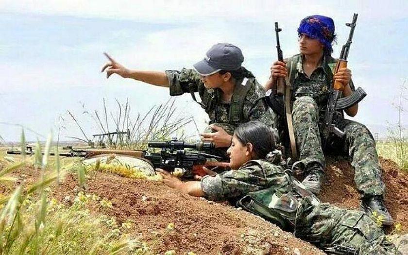 Proč Turecko vraždí Kurdy? Protože jsou to teroristé, tvrdí turecký premiér