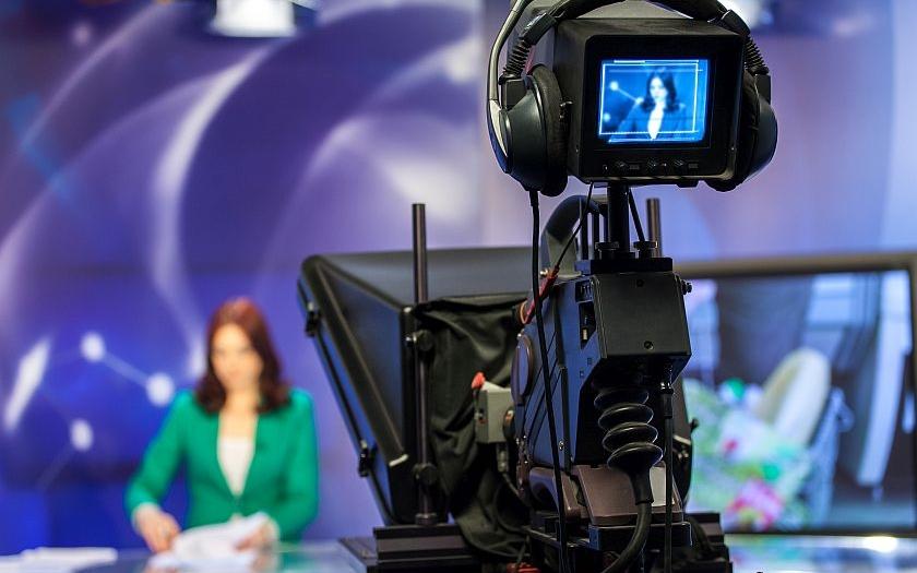 Nebohá Česká televize. Zkresluje informace o sobotních událostech v Praze?