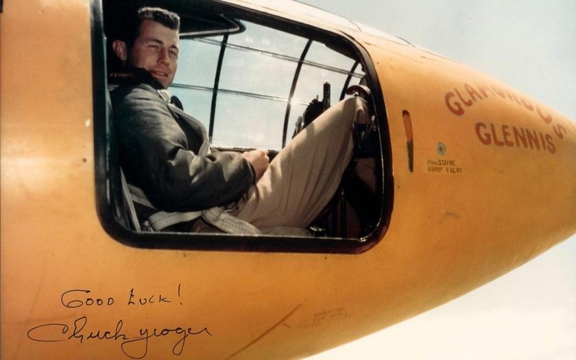 Historie: Letecké eso Chuck Yeager se dnes dožívá 93 let!