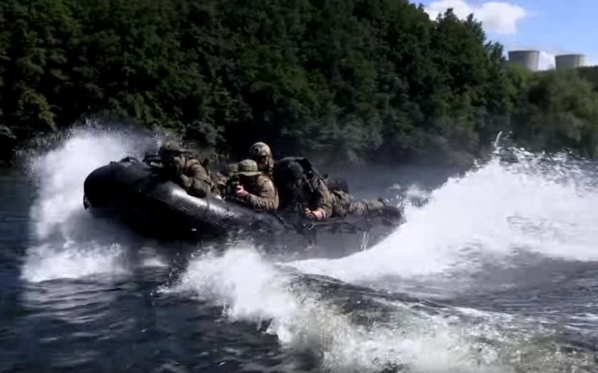 Vojáci speciálních sil dostanou přidáno (komentář Lumíra Němce)