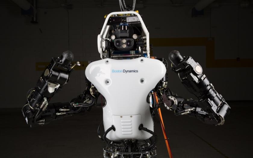 Na technologickém veletrhu v Rumunsku byl představen robot vytištěný 3D tiskárnou. Může mluvit několika jazyky