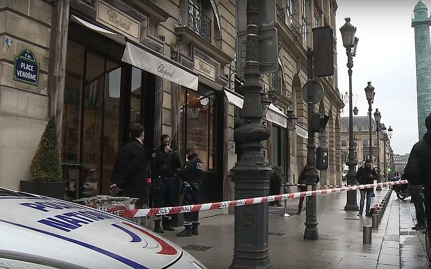 Bezpečnostní opatření v centru Paříže? Francouzská policie opět selhala.