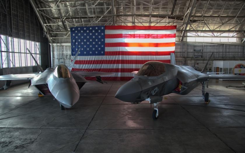 Lockheed Martin nabídl Japonsku hybrid F-22 a F-35