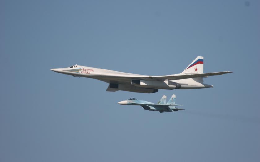 VIDEO: Ruský bombardér Tupolev Tu-160