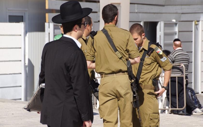 &quote;Izrael je ve válce s muslimským terorismem po vzoru islámského státu,&quote; tvrdí izraelský ministr
