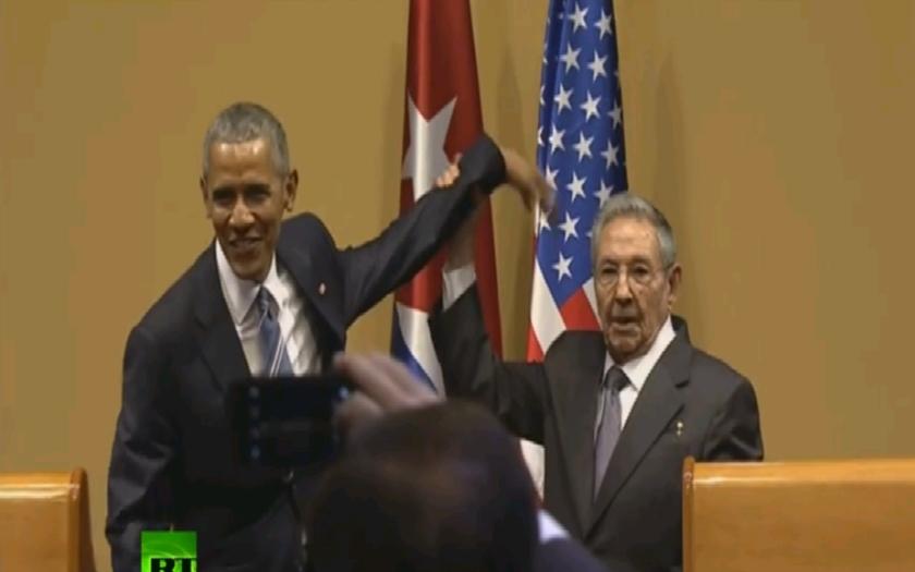 VIDEO: Kubánsky prezident Raul Castro zosmiešnil Baracka Obamu