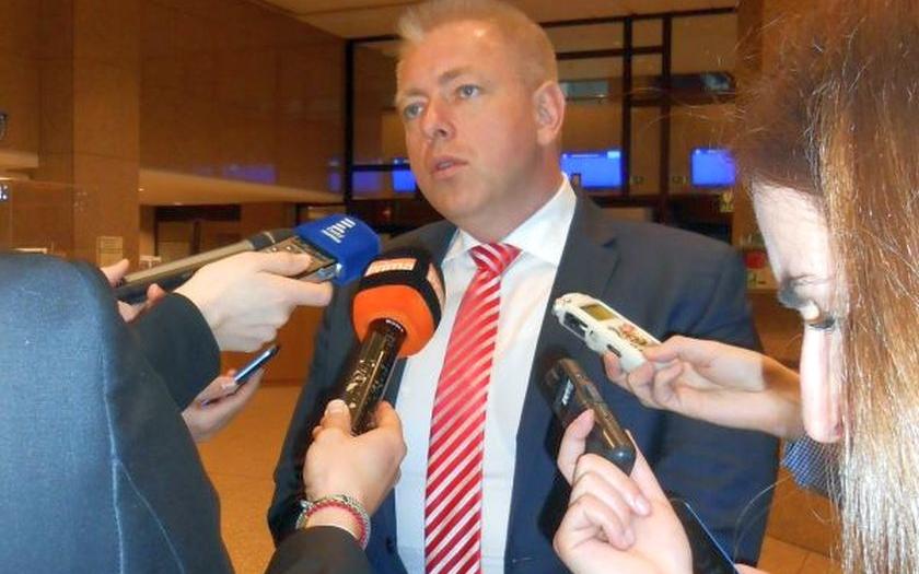 """Chovanec vzkázal ČSSD: Musíte vyjednat vnitro. Bojí se prý kvůli tomu, co vyváděl s """"uzinou"""""""