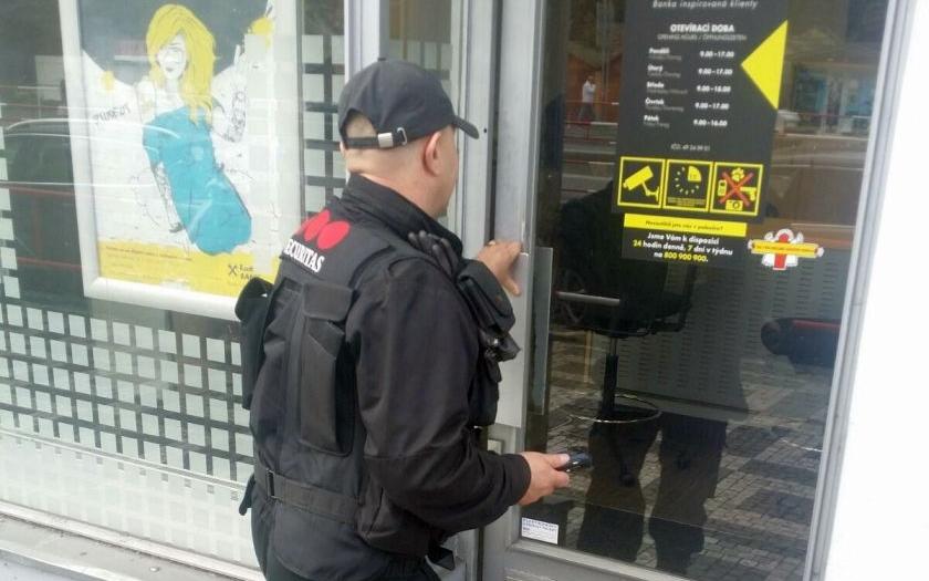 Obchodníci v Česku zavádějí nový model boje proti organizovaným zlodějským gangům.