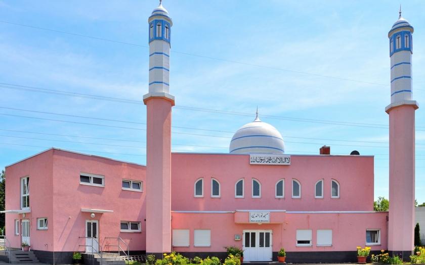 Islamizace Evropy v plném proudu. Muslimové tu chtějí stavět mešity a současně nás nenávidí