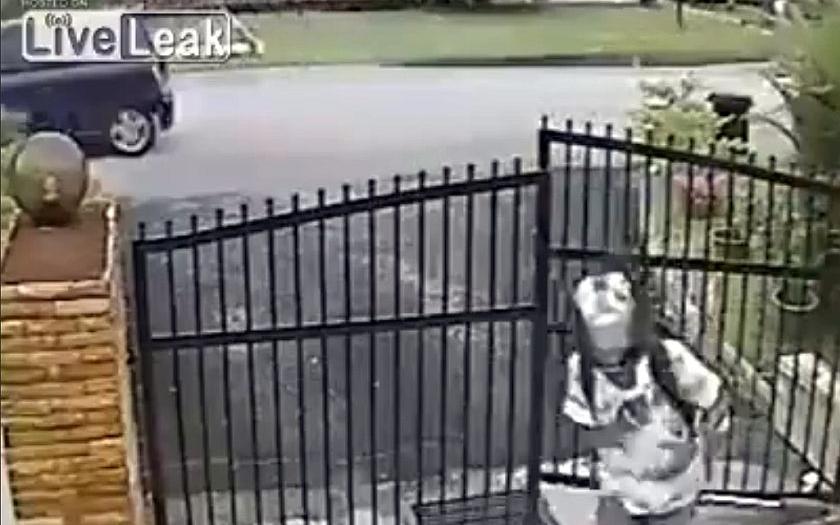Video: Neúspěšný pokus o krádež motorky