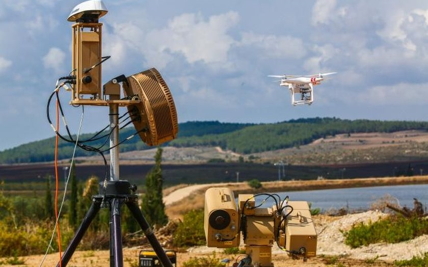Izrael vyvinul systém pro detekci a likvidaci dronů - Drone Dome