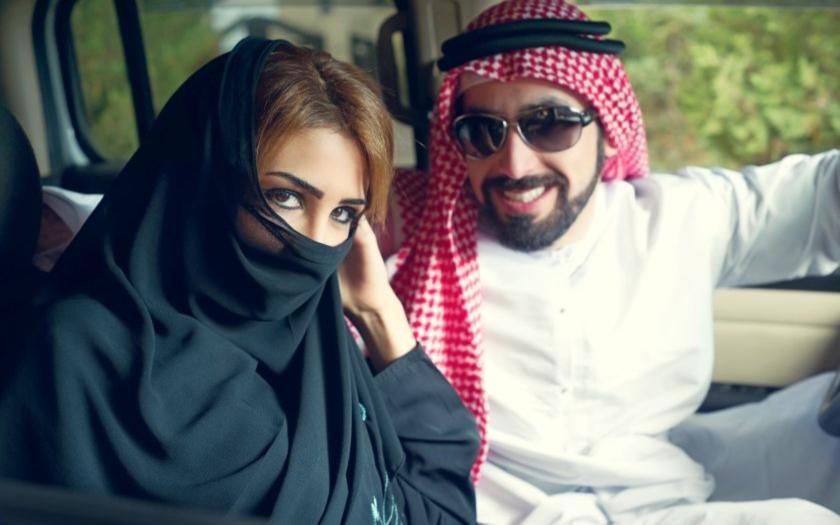 Islámský středověk: &quote;Řízení aut vystavuje ženy zlu&quote;
