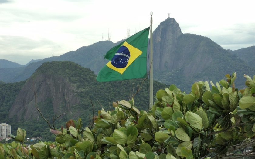 V Brazílii začaly volby, favorit volil v neprůstřelné vestě