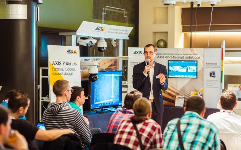Axis s partnery v České republice oslavil 20 let od uvedení první síťové kamery