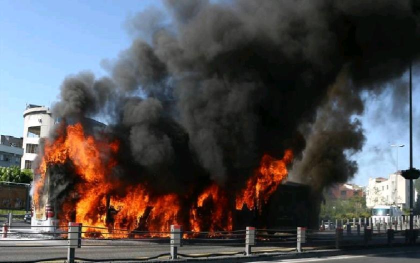 Výbuch autobusu v centre Istanbulu