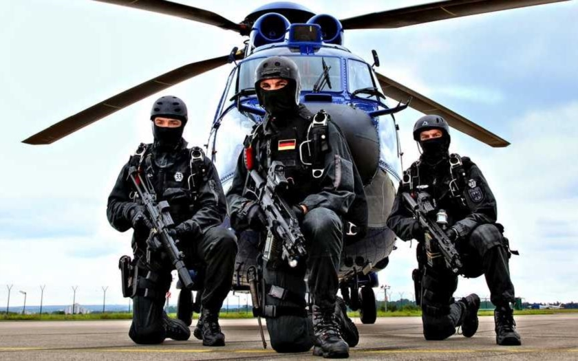 Policejní razie v Sasku: pět osob z &quote;Gruppe Freital&quote; terorizovalo azylanty