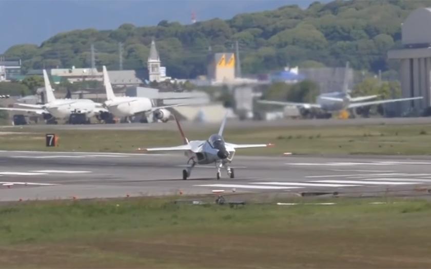 Video: Japonský letoun páté generace X-2 poprvé vzlétnul