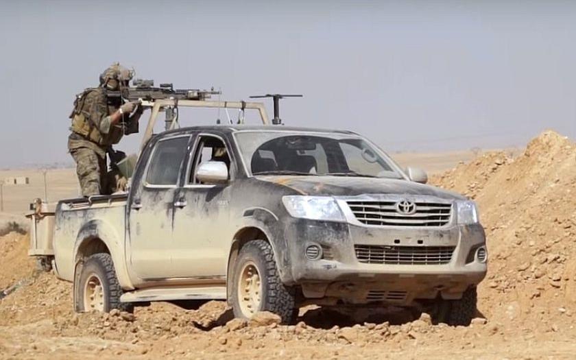 Syrská armáda a milice SDF postupují proti IS na východě Sýrie