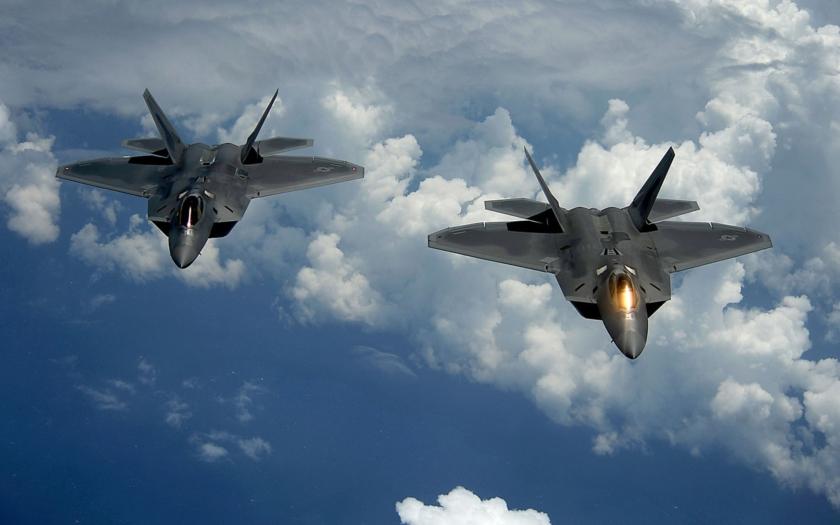 USA poslalo do Rumunska nejmodernější stíhačky F-22 Raptor