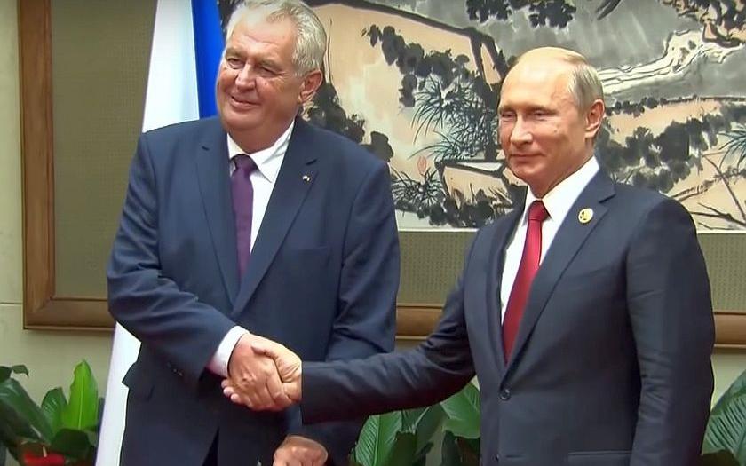 Zeman se dnes v Soči setká s Putinem, odpoledne odletí do Moskvy