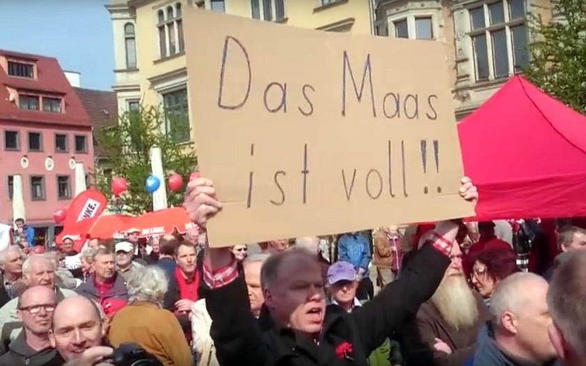 Video: &quote;Zrádce! Zrádce!&quote; Němci vypískali ministra spravedlnosti