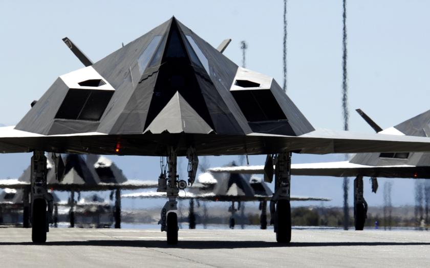 Legendární americký letoun F-117 opět zachycen v letu. Proč?