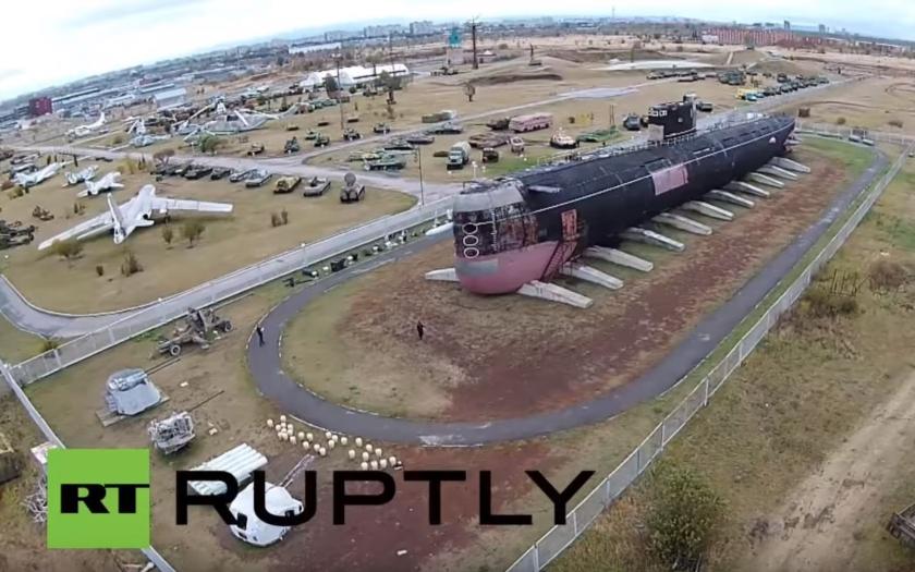 Video: Sovětská ponorka třídy Tango pohledem dronu