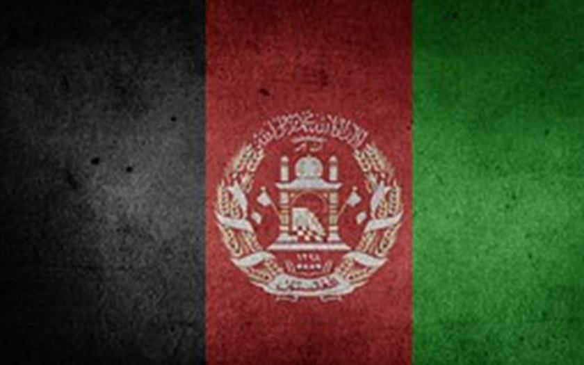 VIDEO: Uprchlík z Afghánistánu na videu varuje, že bude masakrovat nožem a sekerou