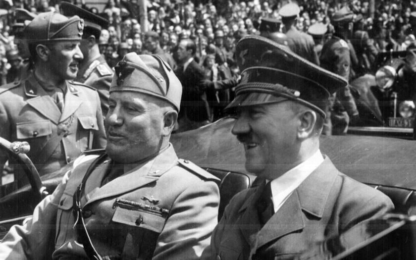 Utrpení Hitlerových ,,degustátorek&quote;. Brečely ve strachu, že to je jejich poslední jídlo v životě